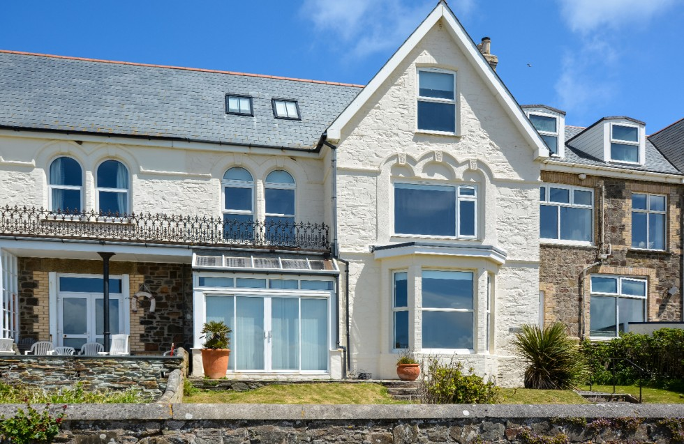 BREAKERS New Polzeath – Freehold