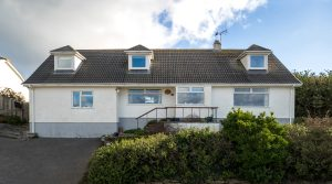 Autumn Mist, 18 Trenant Close, Polzeath, Wadebridge6 Bedrooms – 3 Bathrooms