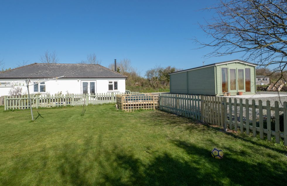 Pendoggett £295,000 Freehold